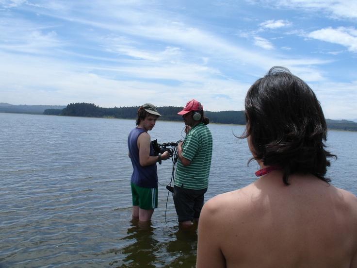 En el lago Peñuelas, durante el rodaje de PERLA. Año 2005.