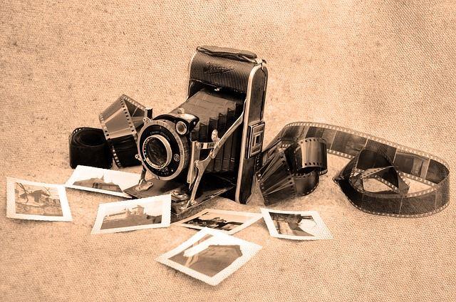 Autour de la photographie: matériel photo, polaroïd, cours de photographie, séance de pause chez un professionnel, album photo, cadre photo numérique, cadres photos plus classiques ...