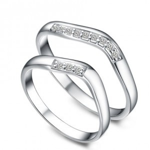 Unique curved His and Her matching wedding ring bands