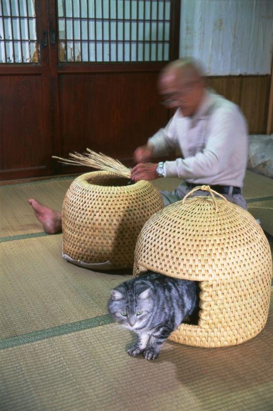 Neko-Chigura(cat house), traditional folk crafts