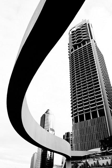 Lines in the Riverside Centre of Brisbane, Queensland (Australia)  photo by Daniele Sartori