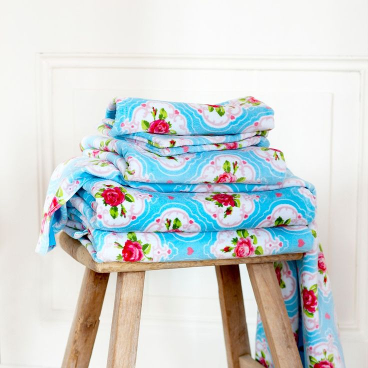 Flower Medallion Towel - Blue  - Hand Towel - 55cm x 100cm