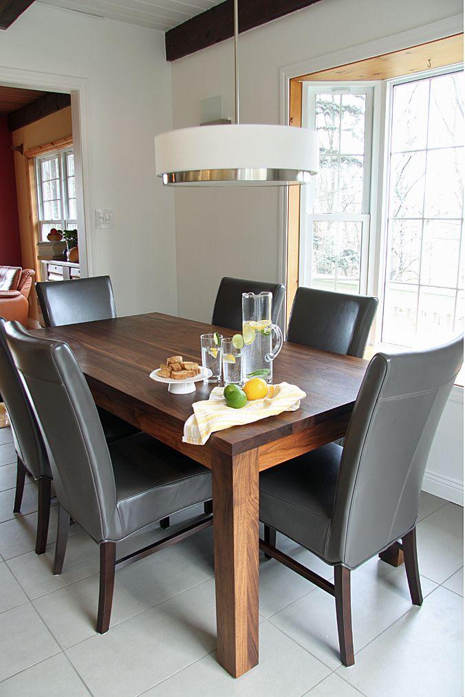 La salle à manger est probablement l'endroit de votre maison où vous pouvez passer des heures à rattraper avec votre famille et vos proches. Avec cela à l'esprit, vous devez prendre en considération investir quelques ressources pour acheter des chaises confortables et une table parfaite. #tablesàmanger#décoration #projetsdedécoration http://www.delightfull.eu/en/