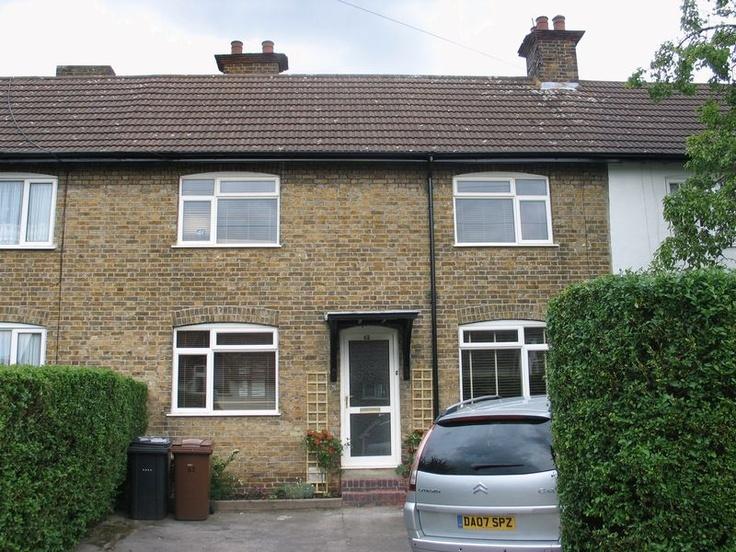 £200,000  3 Bedroom Terraced House - Pix Road, Letchworth Garden City, Hertfordshire, SG6 1PX Estate Agents