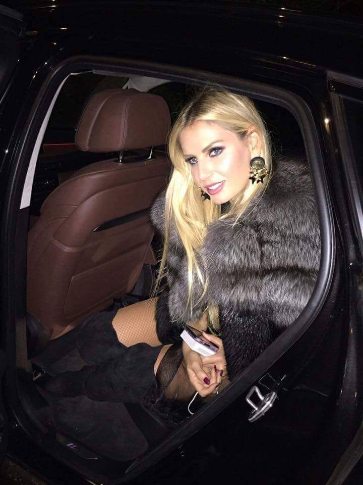 Awesome pic with Andreea Banica in our Paisi X Andreea Badala fur coat