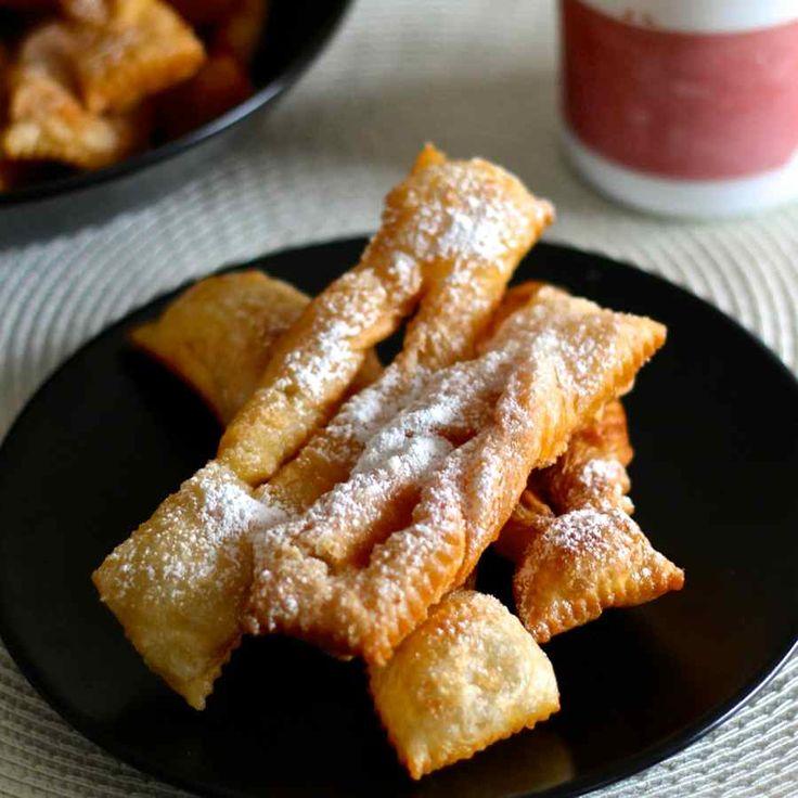 Les faworki, chruściki ou chrusty sont des beignets traditionnels préparés en Pologne pendant la période du carnaval et jusqu'au jeudi gras.