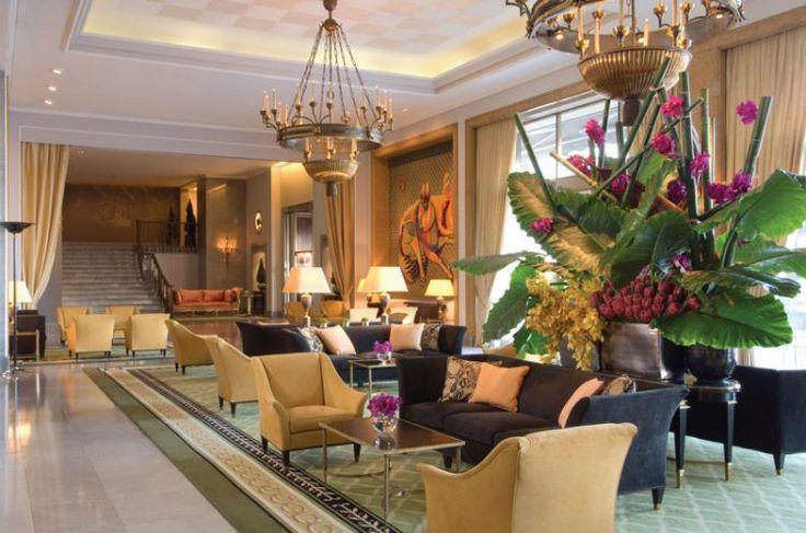 A tout juste 20 minutes de l'aéroport Portela de Sacavem, le Four Seasons Hotel Ritz de Lisbonne est l'une des références hôtelières de la capitale portugaise. Le JournalDesFemmes.com vous ouvre les portes de cet établissement de prestige au style résolument Art Déco.