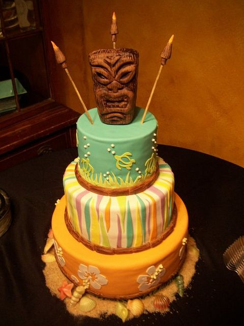 Who wants to make me one of these for my next Survivor party?  Tiki Cake-By The Mad Platters
