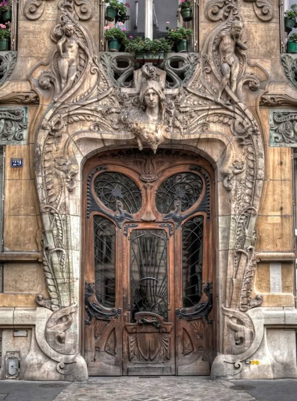 Amazing door in the 7th arrondissement of Paris at 29 Avenue a few steps from the Eiffel Tower.