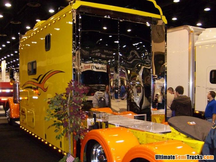 Peterbilt with ICT Sleeper from the 2008 Mid America Truck Show