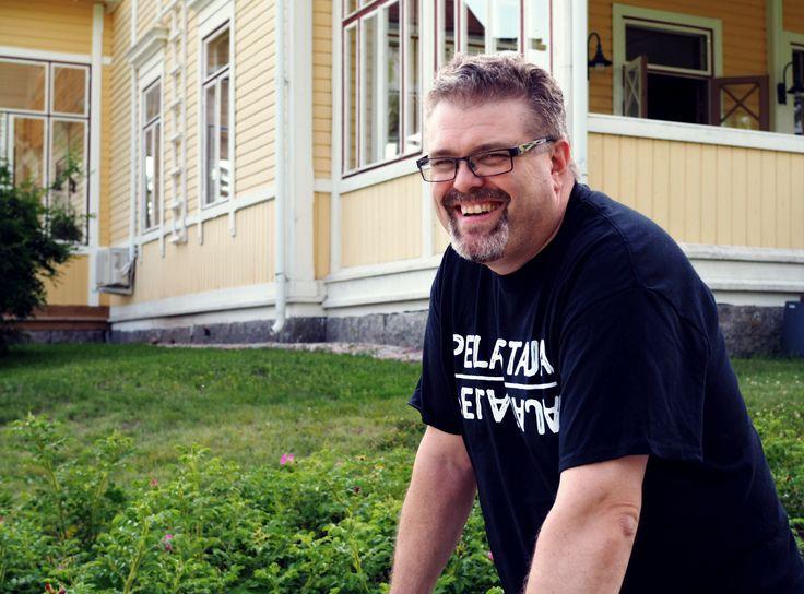 Mika Lindfors, hyvinvointiyhteiskuntaa pelastamassa