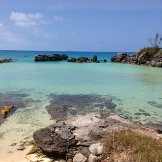 After the yoga festival. A day of rest and a swim at the peaceful Tobacco Bay. #yoga #bermudayogafest #camellanair