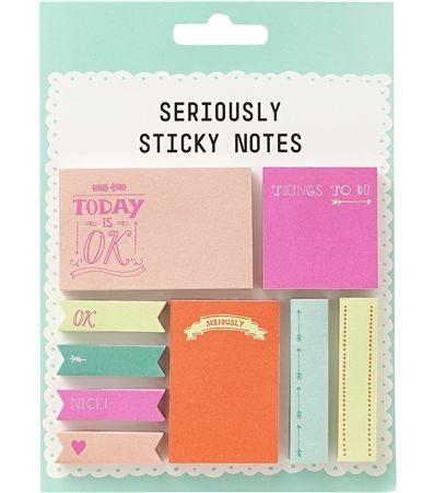 HEMA sticky notes in verschillende kleuren en formaten.