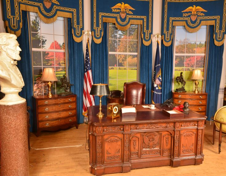 Replica Presidential Oval Office Desk, as seen with President John F. Kennedy - Warner Bros. Property Department