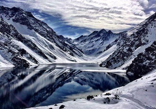 SKI Portillo, Chile Veja como é passar uns dias aqui! http://www.ajanelalaranja.com/2014/07/esquiar-em-portillo.html: