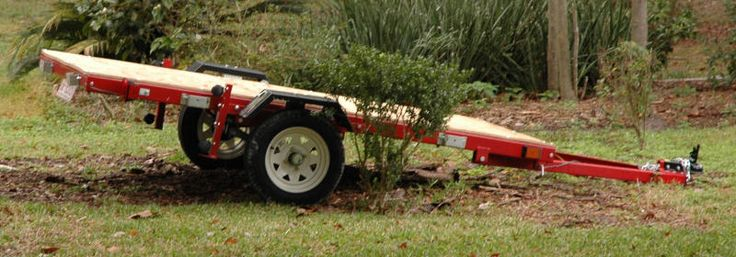 GREAT site with w/ step by step directions and pictures for each step, to put together the HF folding trailer