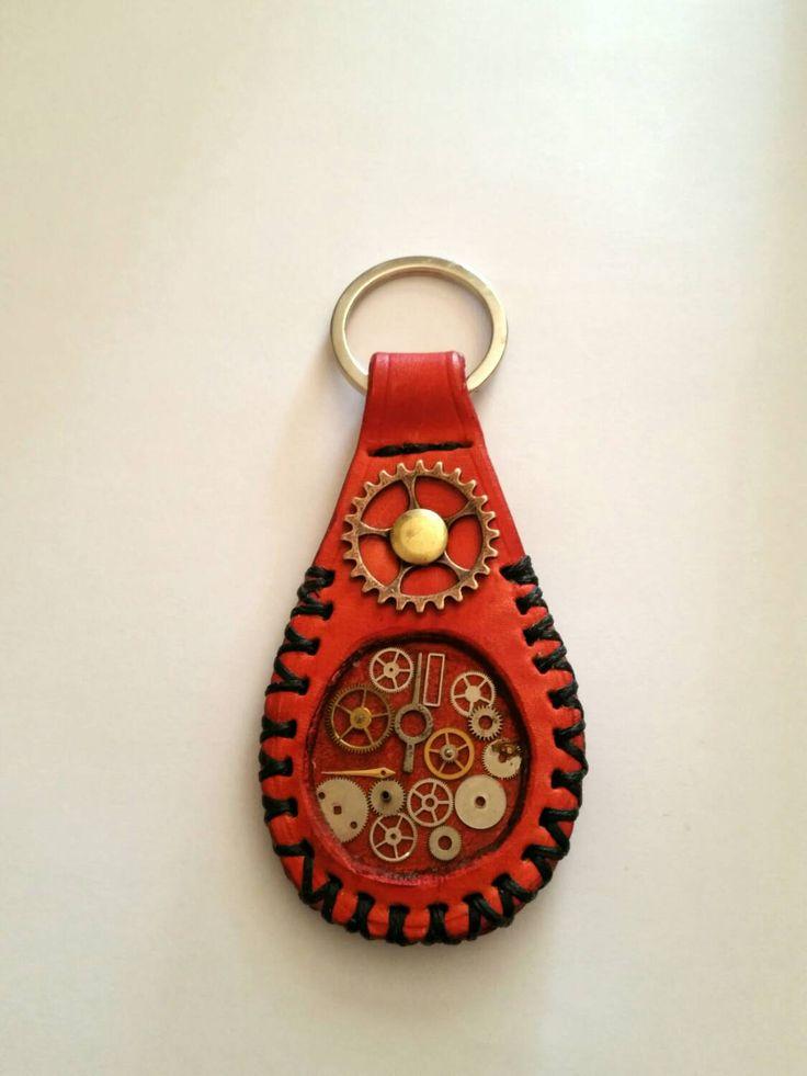 212. LLAVERO STEAMPUNK CUERO HECHOAMANO / Keychain Leather Steampunk Handmade / Leder Schlüsselanhänger Steampunk Handgefertigten de PeloxosFamily en Etsy
