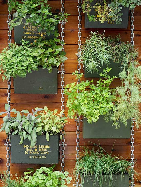 If you're working with a small backyard or patio, use a vertical garden to grow your vegetables, herbs, and other plants. These DIY vertical gardens will help you grow the best herbs you've ever tried. #verticalgardens #gardening #smallgarden #diygarden