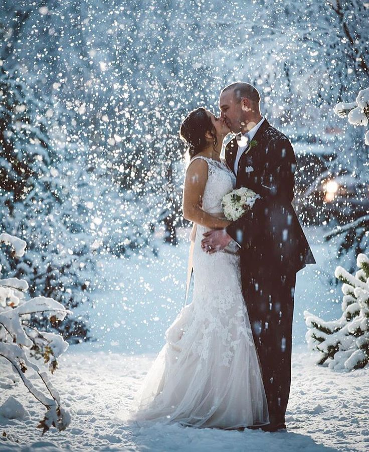 Photo by Logan Swayze, December 5th 2015 at #Nita Lake Lodge #Whistler BC, Canada. Wedding planner: www.seatoskycelebrations.com