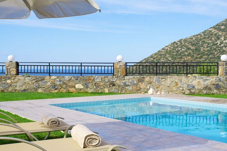 #Dream #Villas in #Rethymno offer you the chance to #relax completely by the #pool, while gazing upon the stunning #sea and #mountain #views from the wonderful terrace! Fell the #summer!
