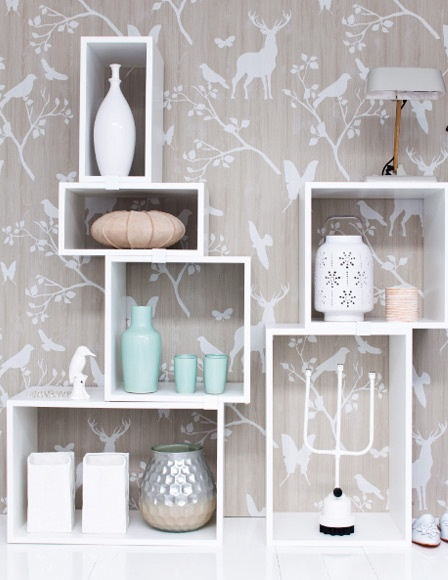 woodland wallpaper. Love this for a bathroom or guest room.