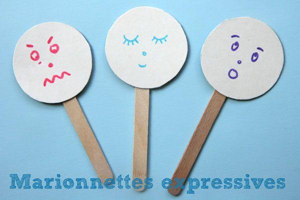 Les enfants ne connaissent pas forcément toute l'étendue des émotions qui peuvent les traverser. Ces marionnettes, faciles à fabriquer et à manier, peuvent être l'occasion de parler des sentiments et des émotions comme la colère, la peur, la tristesse mais également la joie ou la surprise. A faire avec des enfants entre 3 et 5 ans. Matériel pour fabriquer ces marionnettes : Vous aurez besoin de : - de papier cartonné ou alors d'une boite de gâteaux (vide) ou de céréales - ...