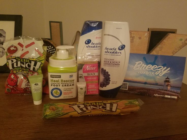 So many awsome products in the Breezy Voxbox from Influenster this month ! Products: Sour punch kids candy, head and shoulders volumn shampoo and conditioner, profoot heel rescue, origin eye cream, origin moisturiser with SPF, and nair wax strips