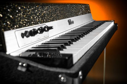 For Sale: Fender Rhodes 1973 Suitcase Piano ($5500)