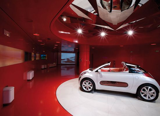14 best car showroom images on pinterest showroom for Garage citroen paris