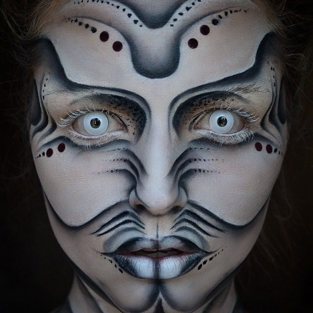 Oh my, I wouldn't enter a starring contest with @Maisyreisermakeup in her amazing Alien makeup pic from the CamoEyes Picture Of The Week  Wearing All White Contacts from https://camoeyes.com