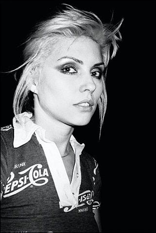 Debbie Harry. Her makeup ROCKS!