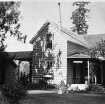 Image of N11839 - REMARKS:Archambeau residence after being converted into a U.S. Forest Service ranger station at Tiller, Or.
