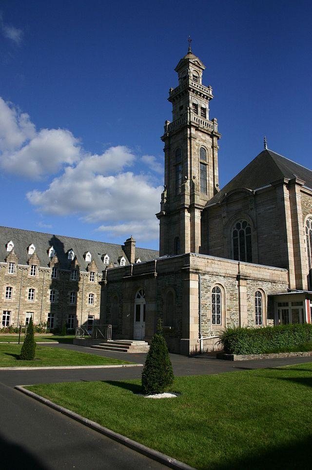 Lannion - Monastère Sainte-Anne - Cour Intérieure - Lannion
