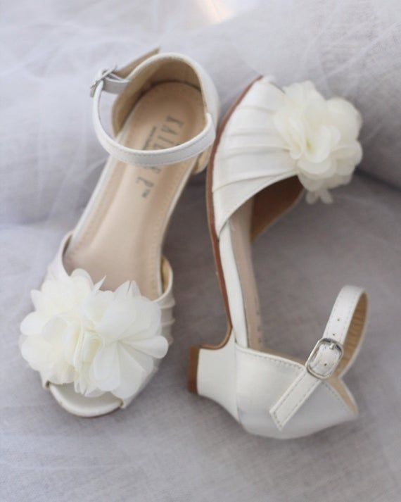 Ivory Satin Heel Sandal With Chiffon Flowers Flower Girls Shoes Jr Bridesmaids Shoes Girls Sandals In 2020 Flower Girl Shoes Heels Bridesmaid Shoes Flower Girl Shoes