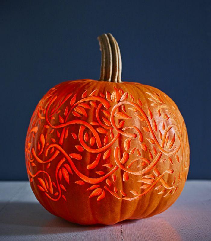 Kürbis schnitzen, DIY Ideen für Erwachsene, fantastische Halloween Dekoration für Zuhause