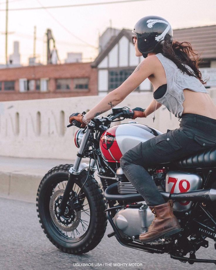 Cruising downtown Los Angeles MOTORPOOL-G women's riding jeans Rider......imogen