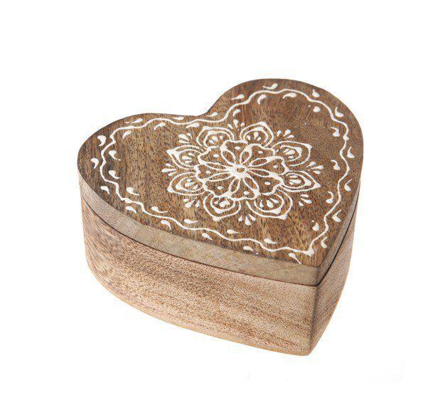 Plus de 1000 id es propos de boite decoration sur pinterest for Deco en forme de coeur