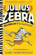 Julius Zebra - Rollebollen met de Romeinen is grappig, spannend en informatief, met zwart-wit illustraties en allerlei weetjes over het Romeinse Rijk. De jonge en eigenwijze zebra Julius wordt samen met zijn vriendje Cornelius, een wrattenzwijn, door soldaten ontvoerd en naar Rome gebracht. Daar moet hij al vechtend zijn hachje redden in de gevaarlijkste arena aller tijden: het Colosseum!