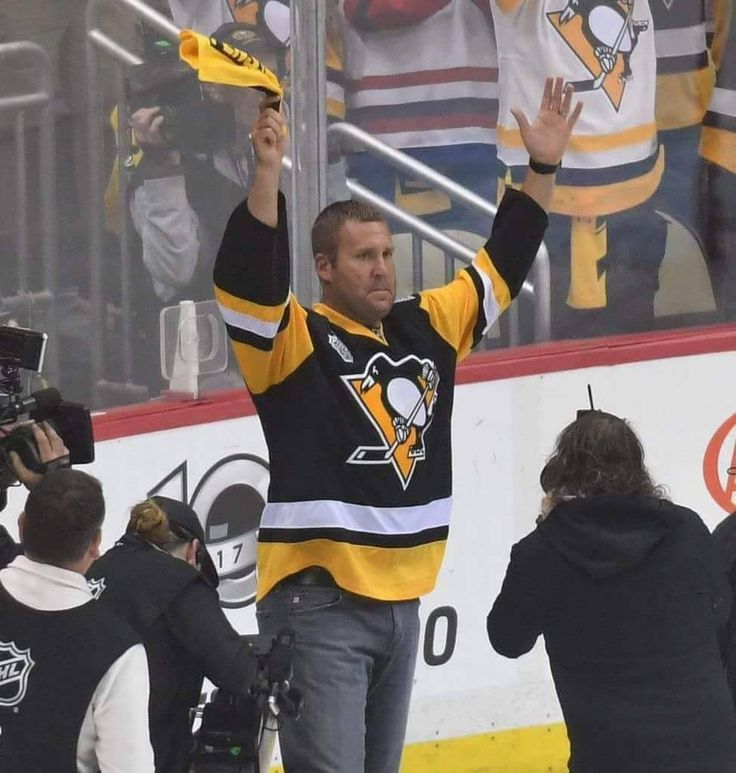 Big Ben at the Stanley Playoffs....the Pens won tonight!!