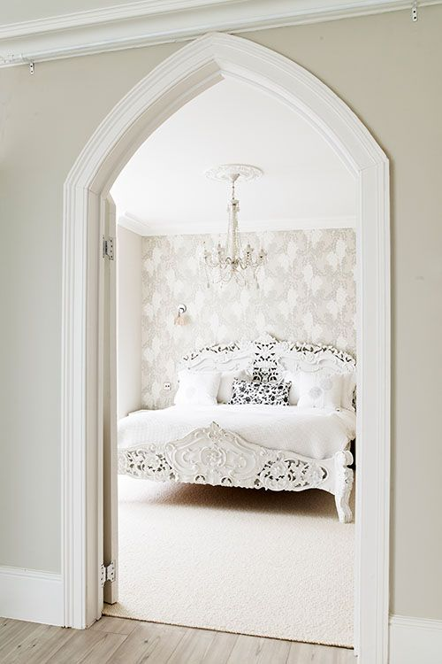 Farrow & Ball: Bedroom in Wisteria BP 2201, walls in Elephant's Breath No.229 and woodwork in Wimborne White No.239 | Estate Emulsion and Estate Eggshell - See more at: http://us.farrow-ball.com/bedroom-inspiration/content/fcp-content#sthash.AdMAQfPn.dpuf