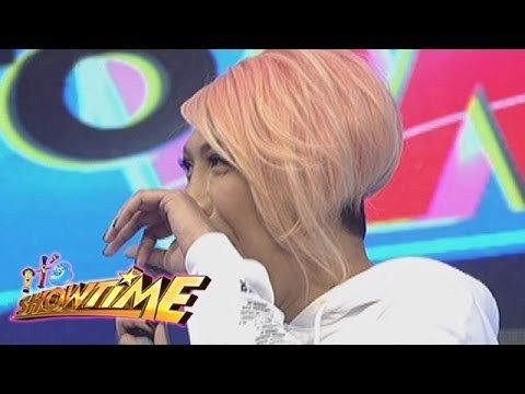 It's Showtime: Vice fakes a tear - WATCH VIDEO HERE -> http://philippinesonline.info/trending-video/its-showtime-vice-fakes-a-tear/   Vice Ganda and Vhong Navarro perform a drama scene. Subscribe to ABS-CBN Entertainment channel! –  Watch the full episodes of It's Showtime on TFC.TV   and on IWANT.TV for Philippine viewers, click:  Visit our official website!  Facebook:  Twitter:  Instagram:  Video credit to the YouTube...