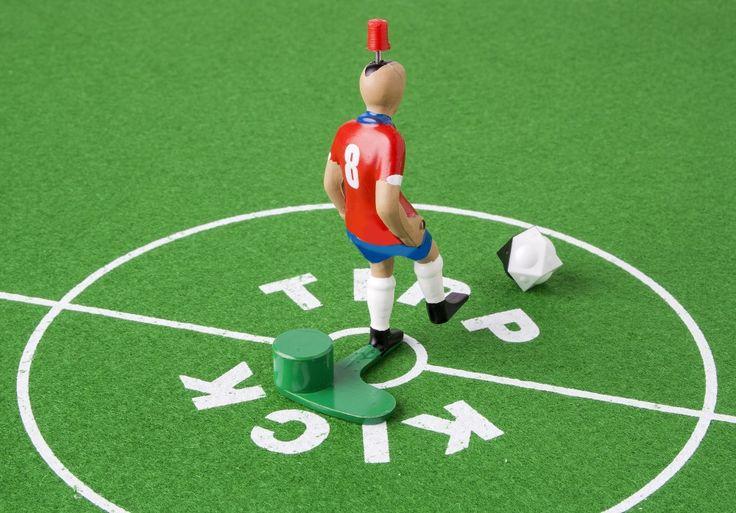 Top Kicker Nro. 8: Top Kicker  te ayuda a realizar otro tipo de tiros y remates.Gracias al pie con empeine recto