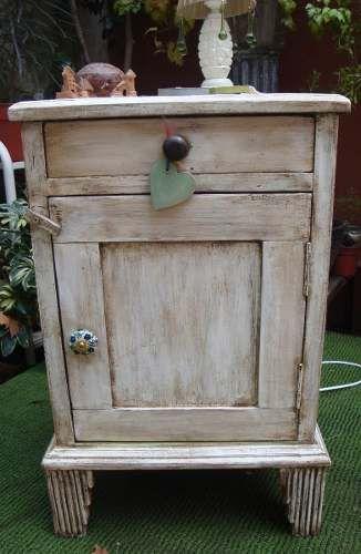 M s de 1000 ideas sobre mesas pintadas en pinterest - Mesas auxiliares antiguas ...