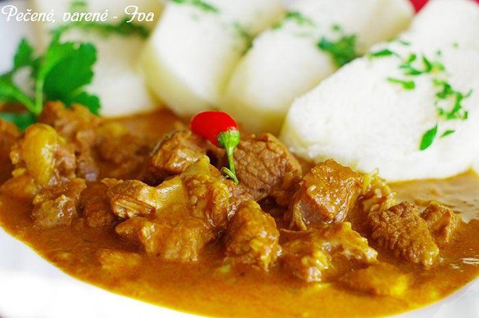 Nevíte co uvařit na zítřejší oběd? Vyzkoušejte připravit klasický maďarský guláš a jako přílohu zvolte vynikající pařený knedlík.