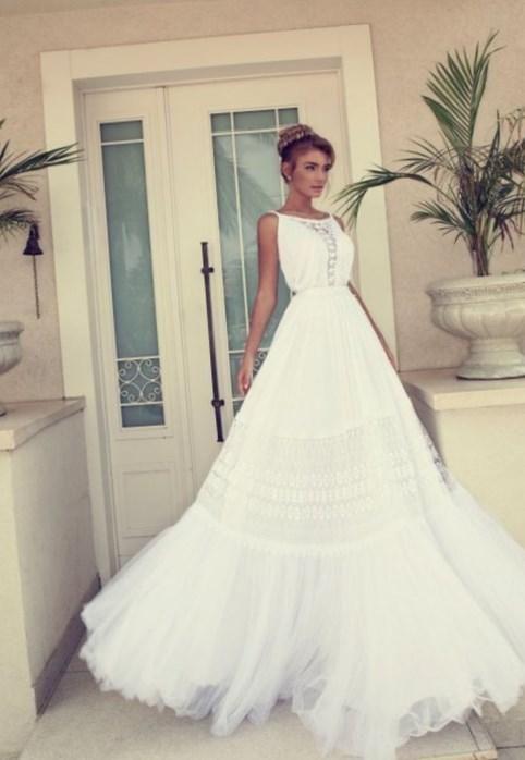 Модные свадебные платья фото - http://1svadebnoeplate.ru/modnye-svadebnye-platja-foto-3950/ #свадьба #платье #свадебноеплатье #торжество #невеста