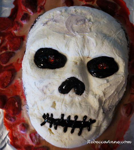 Best Way To Ice Skull Cake