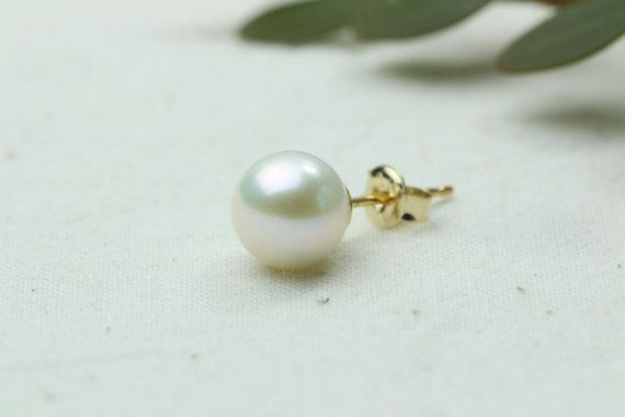 Fresh Water Pearl Earring Yellow Gold Pearl EarringsRound by Hesys
