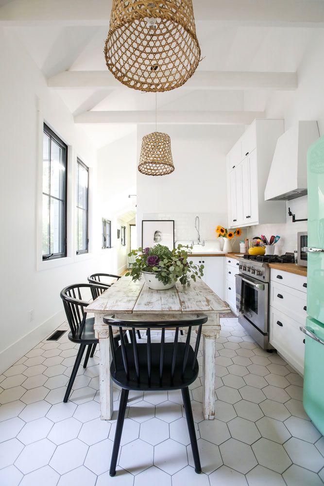 20 Modern Farmhouse Kitchen Ideas For Your Next Reno Meuble Salle A Manger Mobilier De Salon Et Table A Manger
