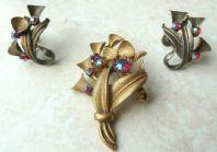 Vintage Brass Floral Design Brooch And Earring Set.