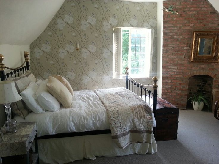 Country cottage bedroom ideas for guest bedroom pinterest for Country cottage bedroom